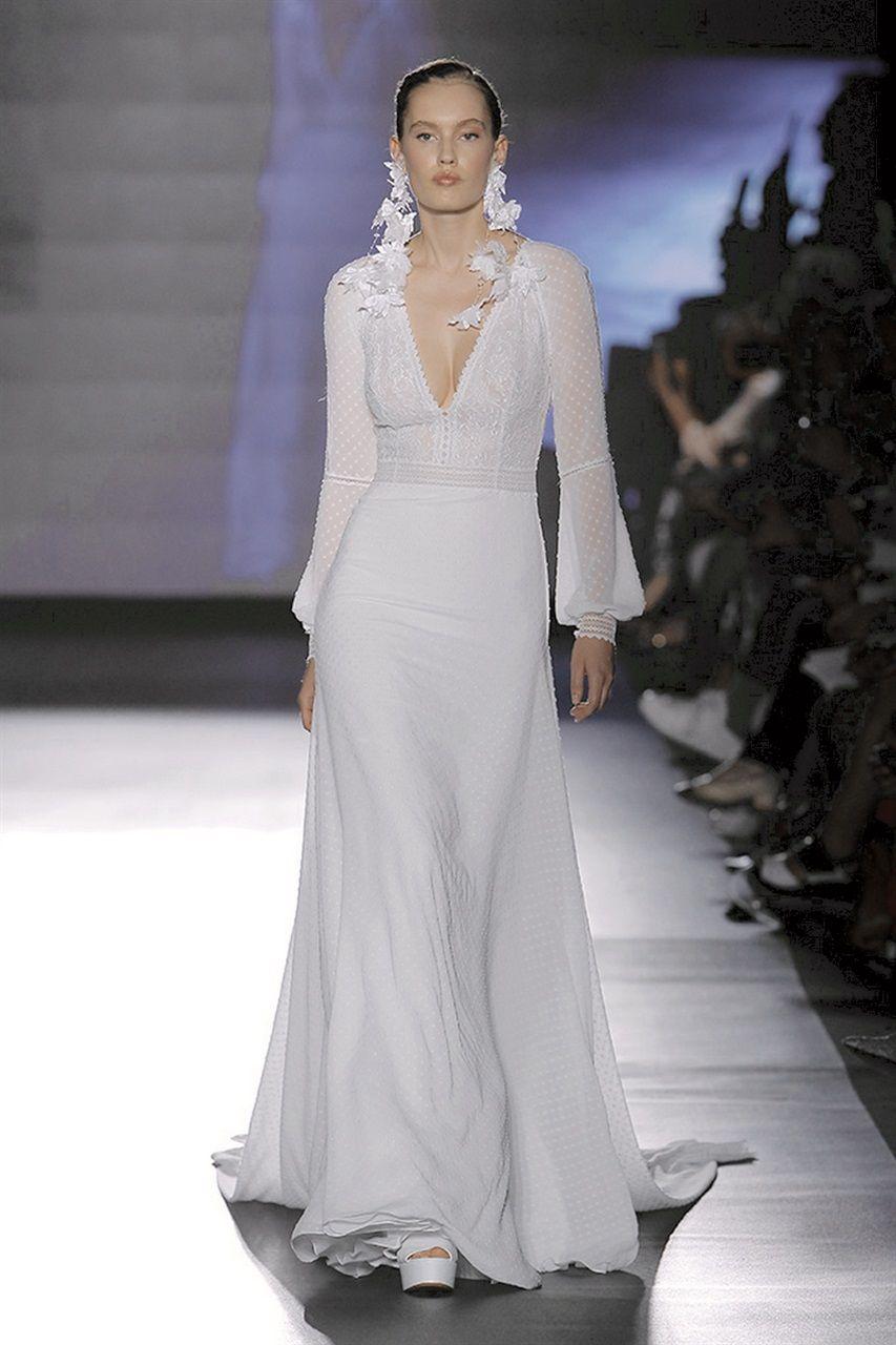 f5eefc794df5 Gli abiti da sposa più belli per il 2019 dalla Barcelona Bridal Week ...