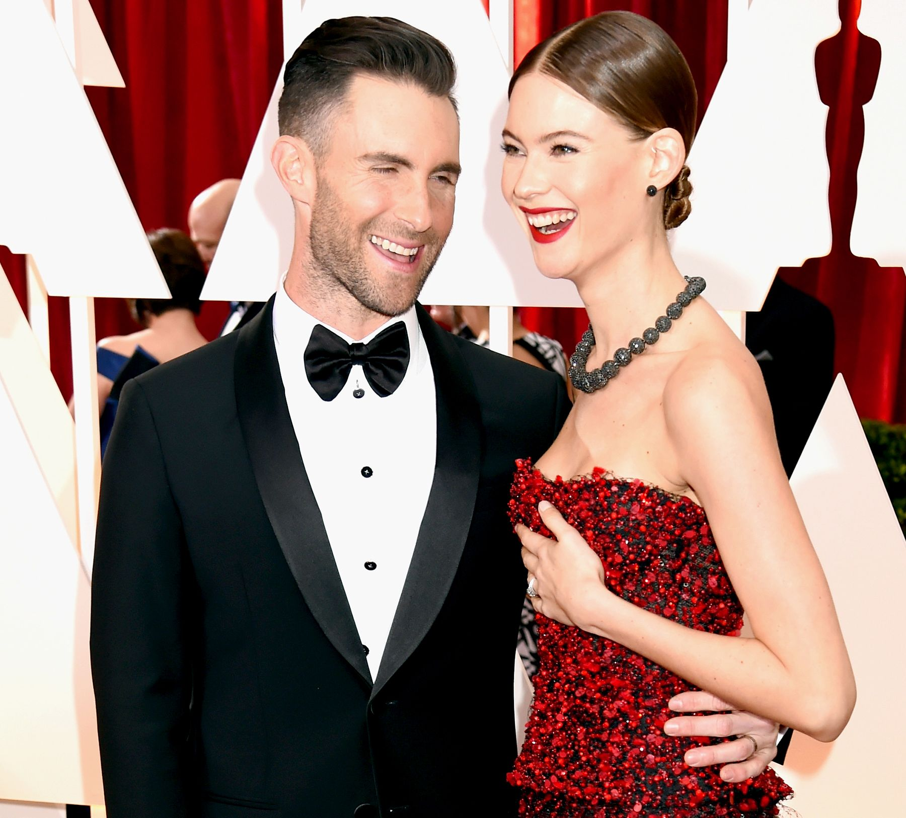 Behati Gets Rejected By Adam Levine And More Awkward Oscars
