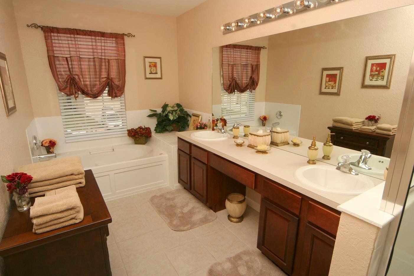 double sink bathroom decorating ideas