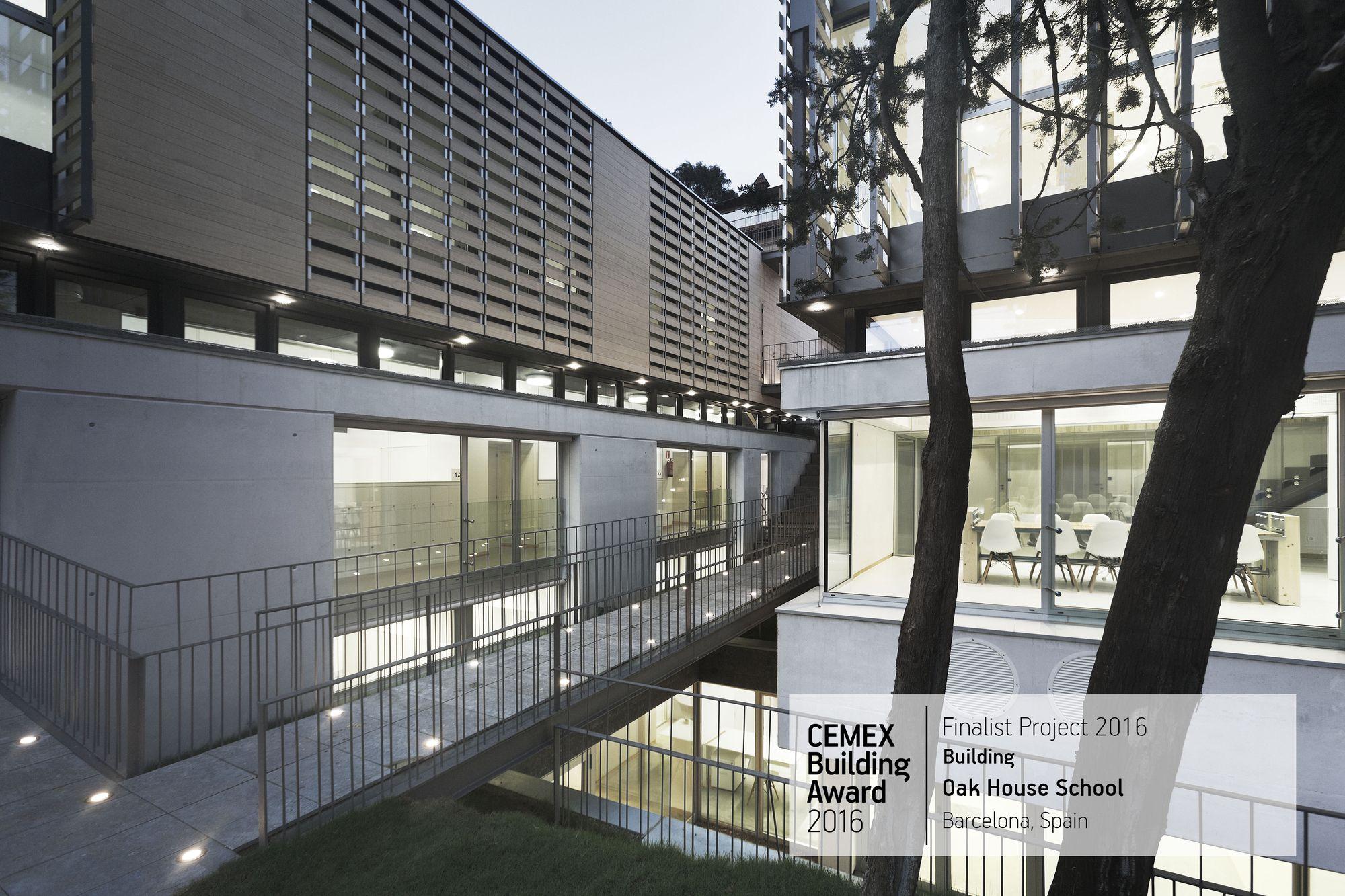 Image 30 of 80 from gallery of CEMEX Building Award Finalists 2016 International Edition. Oak House School / Trasbordo Arquitectura y Gerencia de Construcción S.L.. Barcelona, Spain. Image © Enrique Cabeza de Vaca