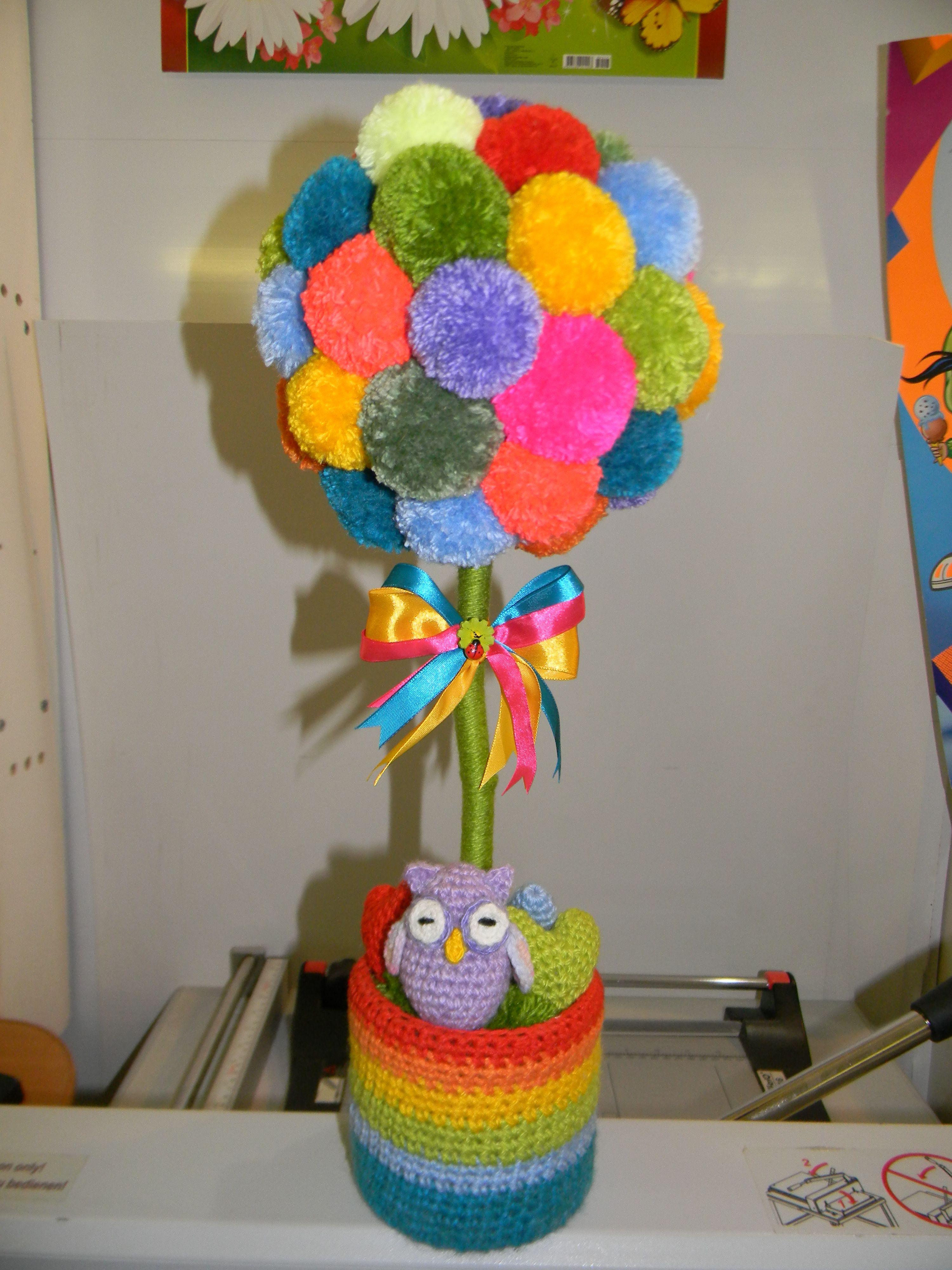 топиарий из помпонов | Мои работы | Crochet hats, Crochet ...
