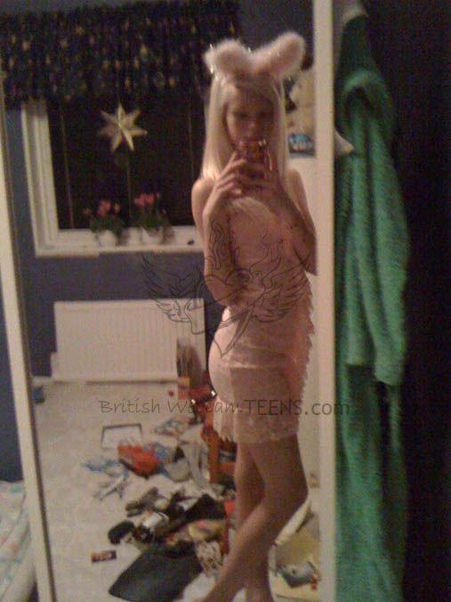 skinny blonde girl Amateur