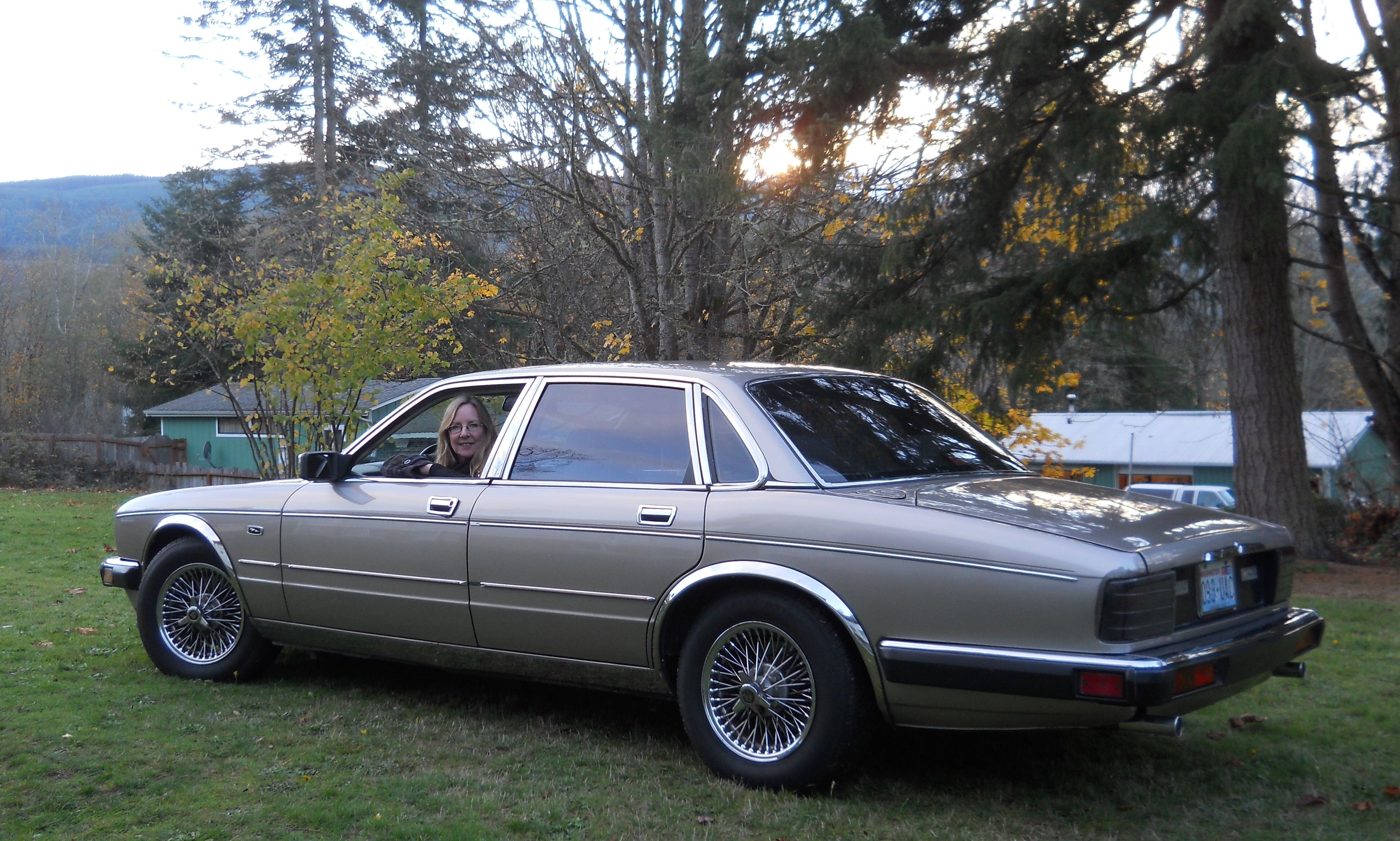 a3e7af3cba6f8e547fce80f4b106cdc2 Take A Look About 1990 Jaguar Xj6