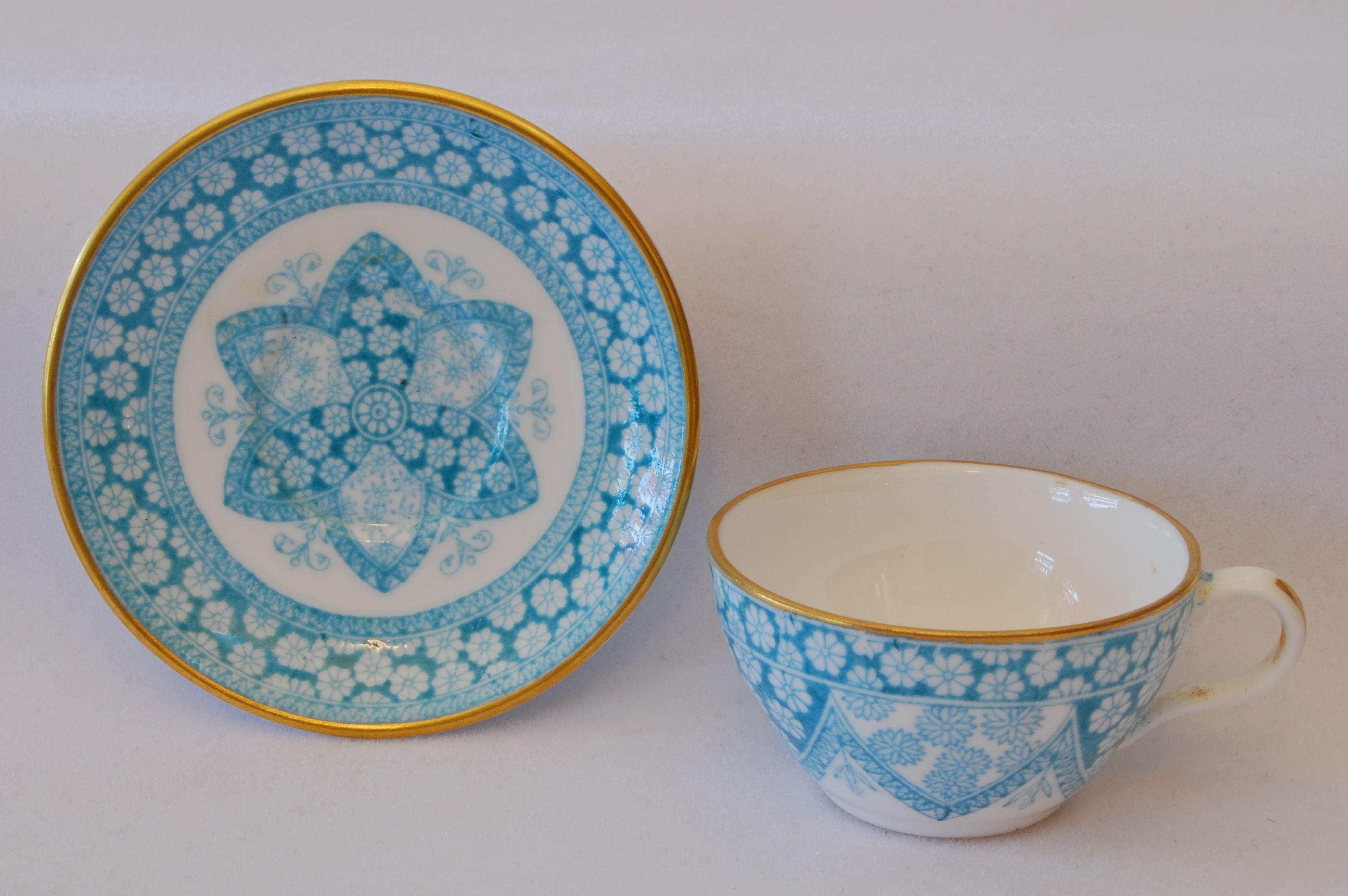 1960 badezimmer dekor miniature spode cup and saucer   xicaras brancasazuis  pinterest