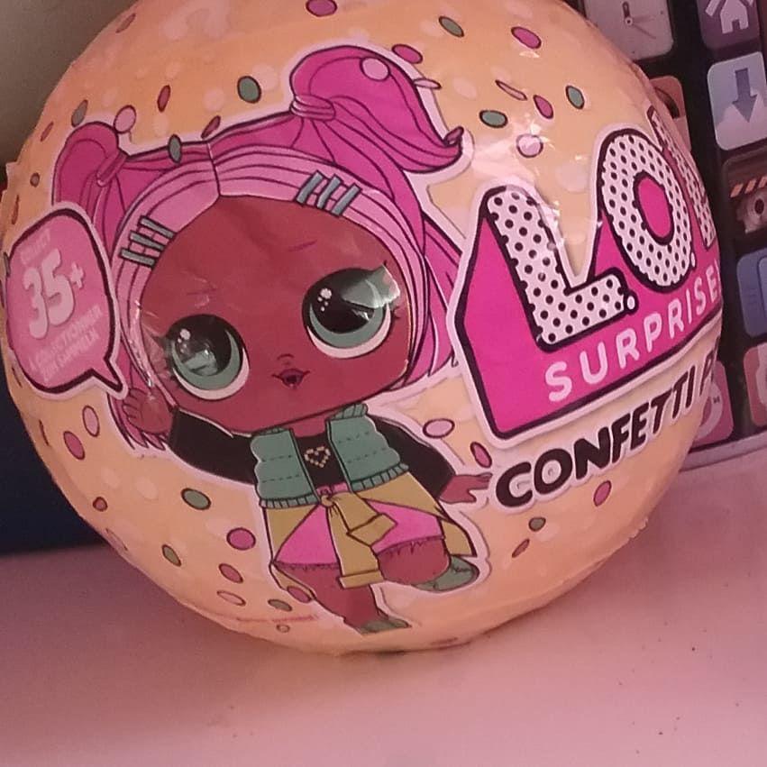 Наконец то у меня есть шар лол конфетти поп !!! В магазине ...