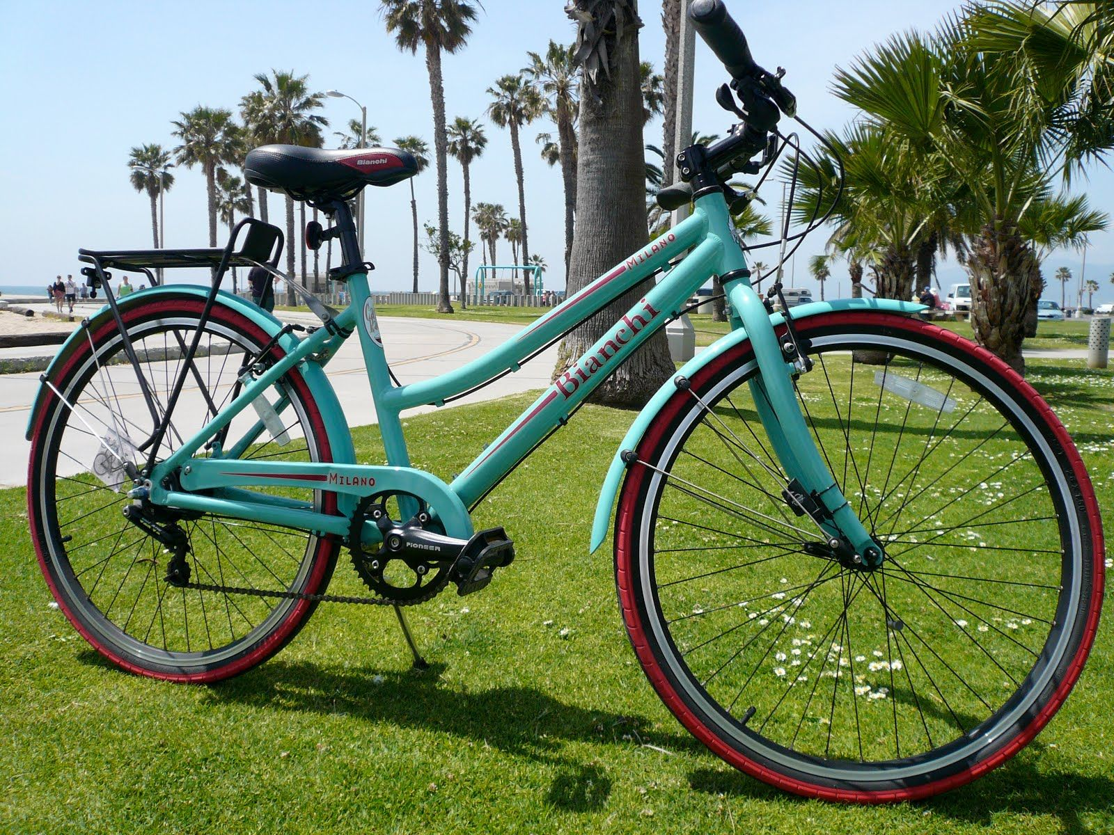 Bianchi tavolozza ~ Bianchi beach cruiser with red wall tires. transport pinterest