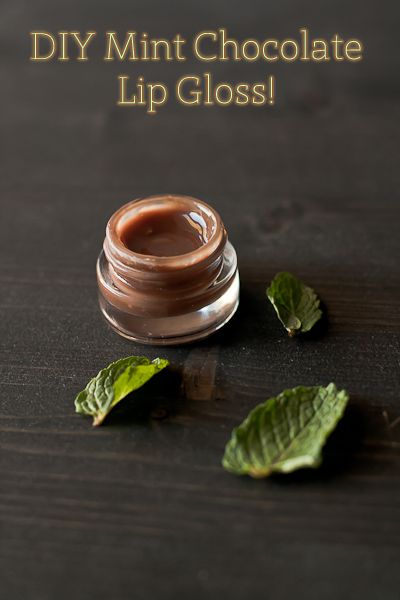 Homemade Mint Chocolate Lip Gloss  Yield: 1 small jar lip gloss (about .20 ounces)Total Time: 5 minutes  ingredients:  1 teaspoon coconut oil  1 teaspoon pure almond oil  1 teaspoon cocoa butter  3-4 drops pure vitamin E oil  1-2 drops pure peppermint extract  3-4 semisweet chocolate chips