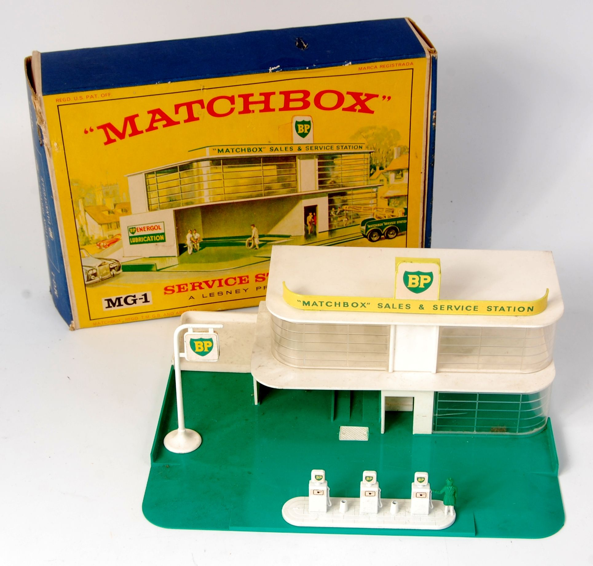 Lot 2391 Matchbox, MG1 BP sales and service station