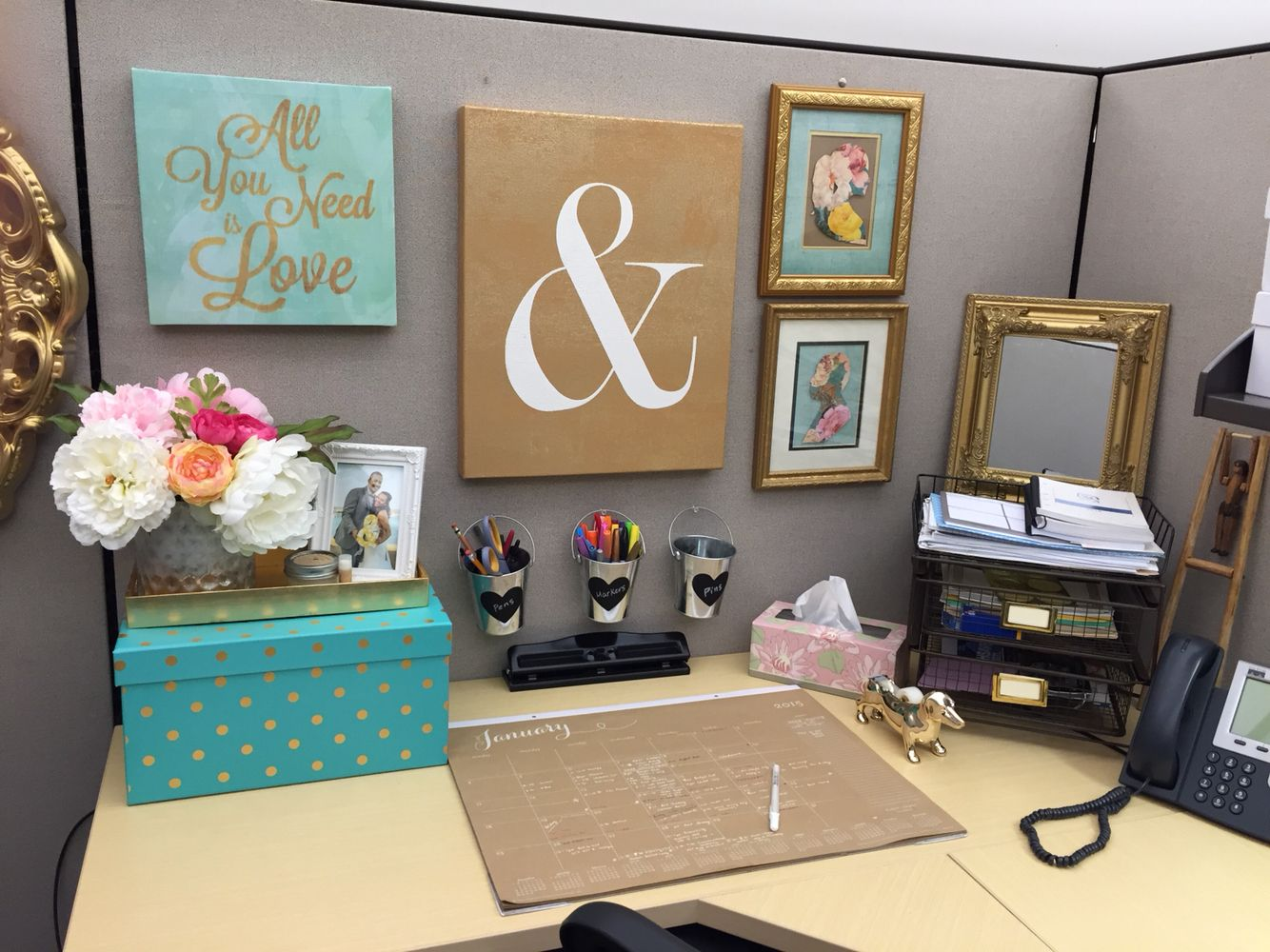 Cubicle decor organization in 2019 office space decor - Work office decorating ideas pictures ...