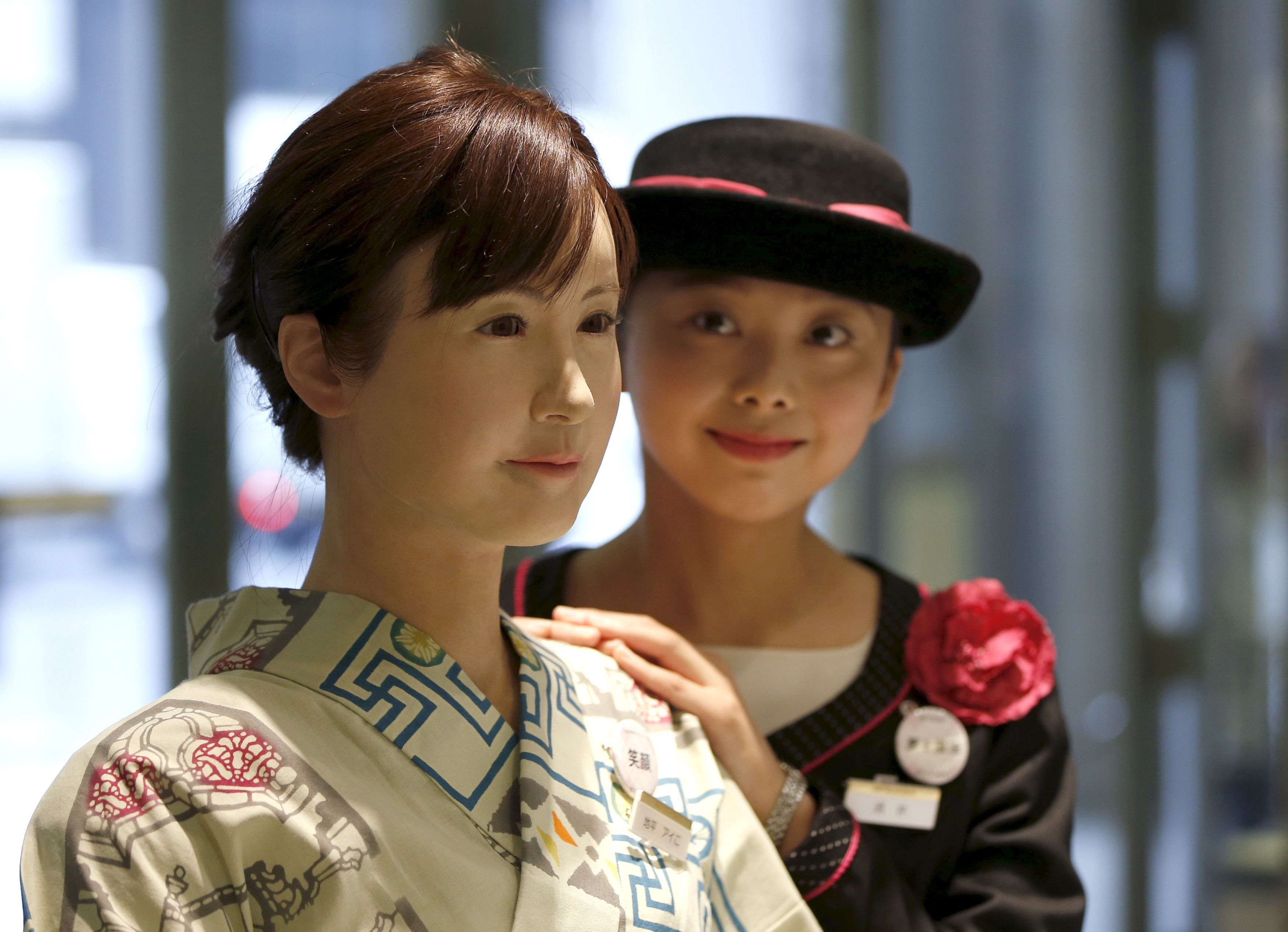 Robot women in Asia now have human stylists(画像あり)