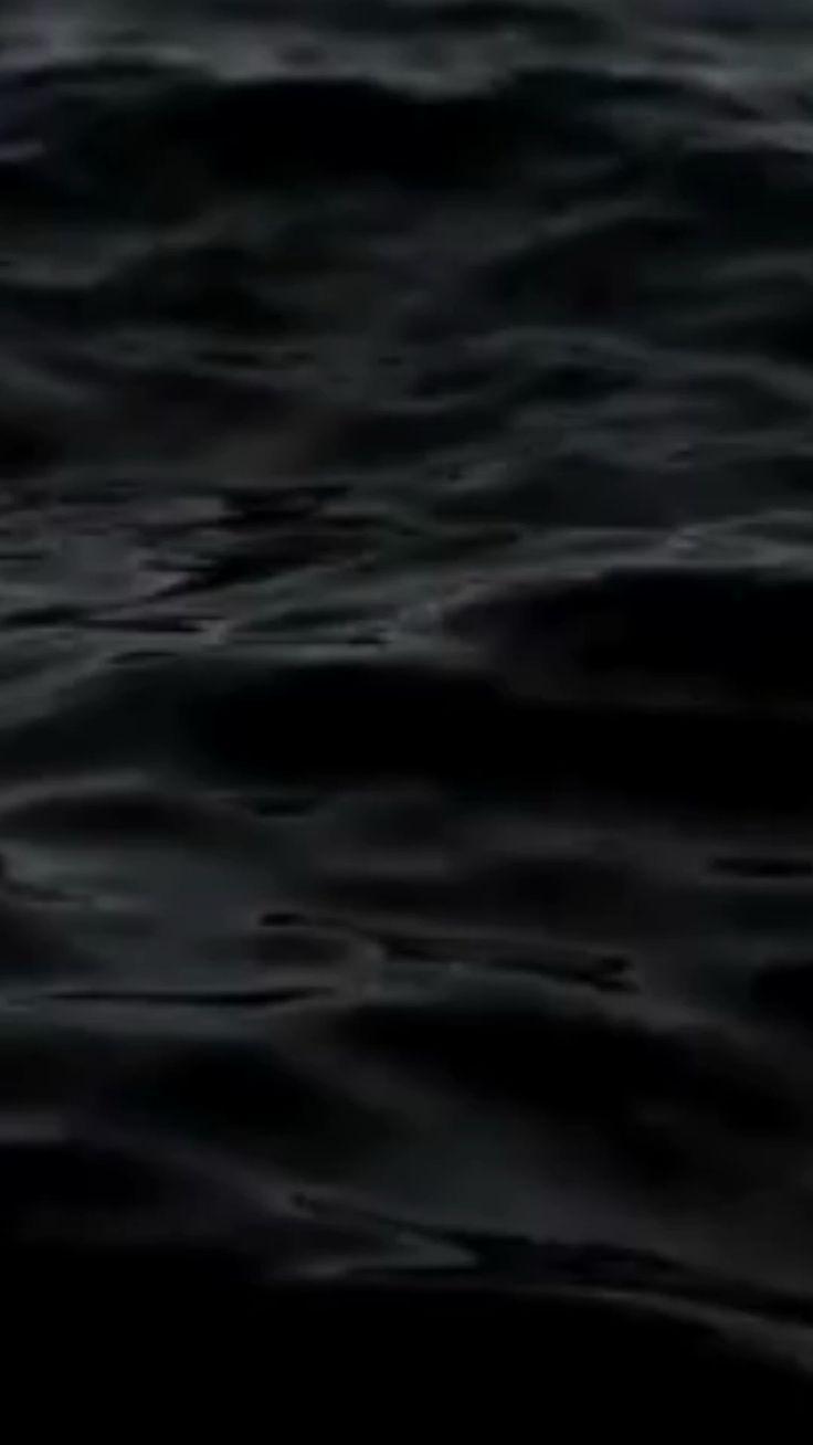 [Видео] «Login • Instagram» | Черные обои, Океанские волны, Картинки галактики