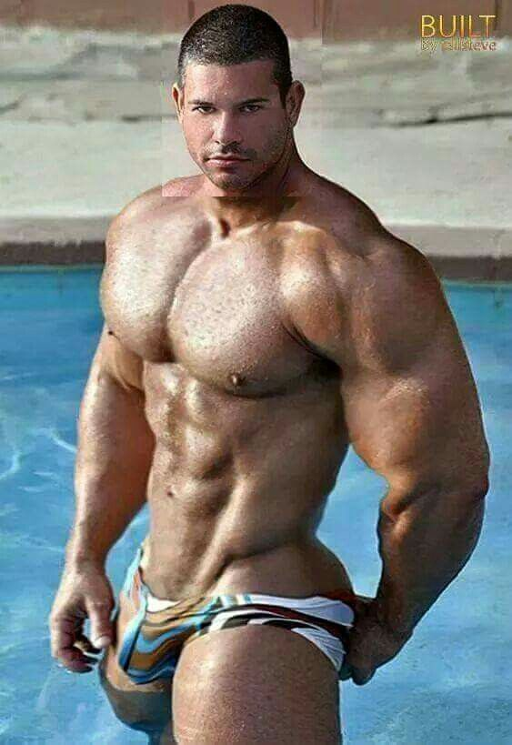 Huge muscle men naked