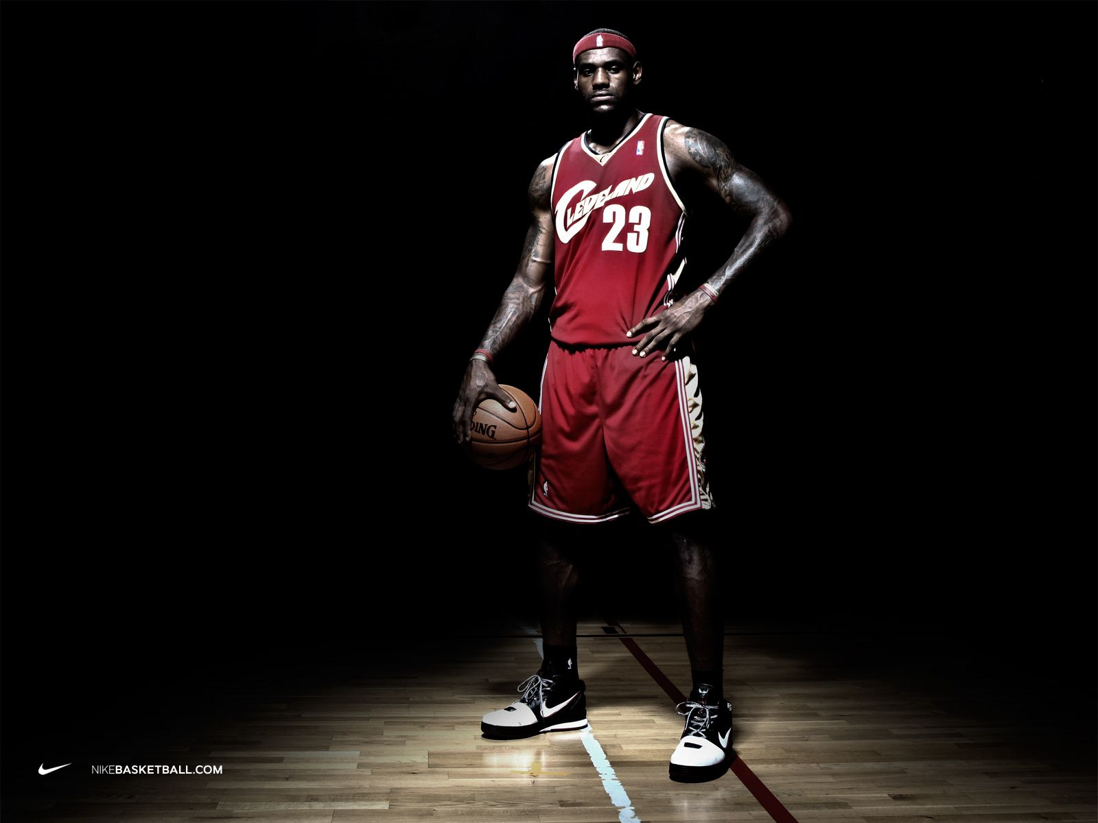 lebron james shoes advertisement - Google zoeken | persoon ...