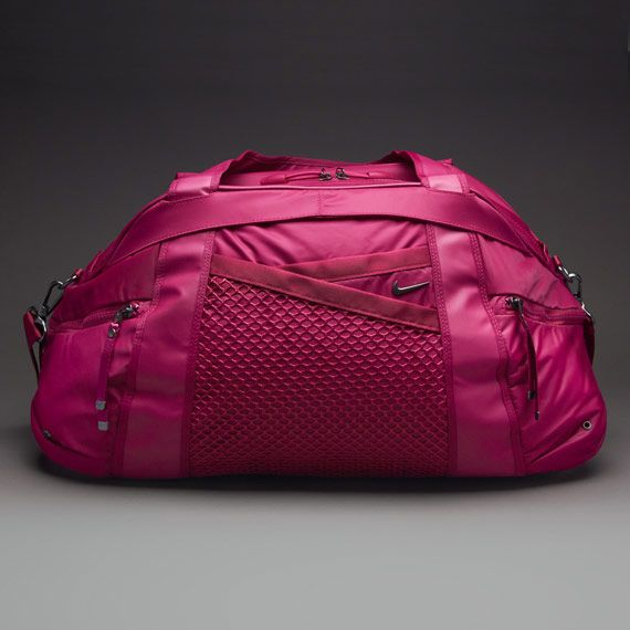 Made With Durable Water Resistant Fabric The Nike Victory Gym Club Duffel Bag Keeps All Of Your Gear Safe And Protected