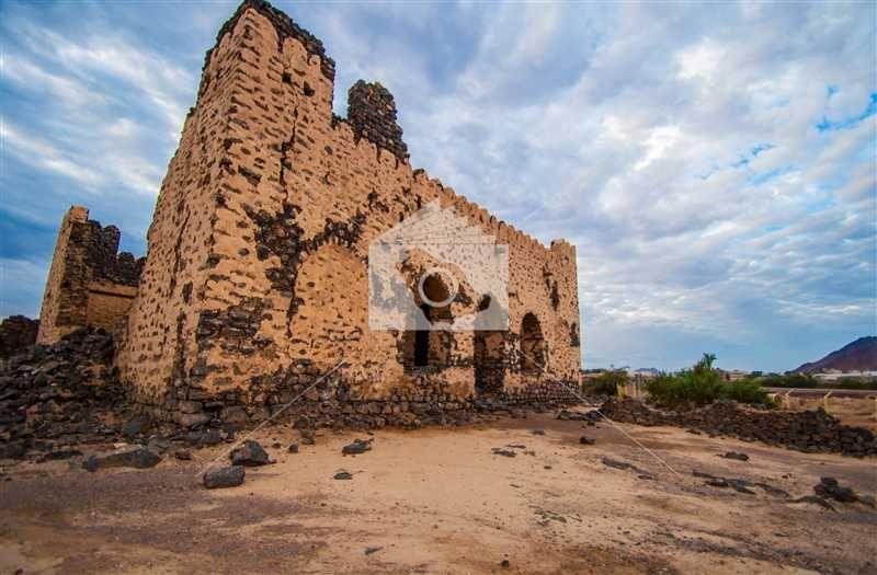 قصر عروة بن الزبير بالمدينة المنورة Monument Valley Natural Landmarks Monument
