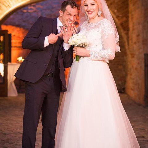 Berlin Tag Nacht Basti Paula Wedding Dresses Worn On Tv