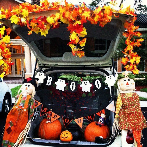 29 Thrilling Trunk-or-Treat Ideas | Holidays, Halloween ideas and ...