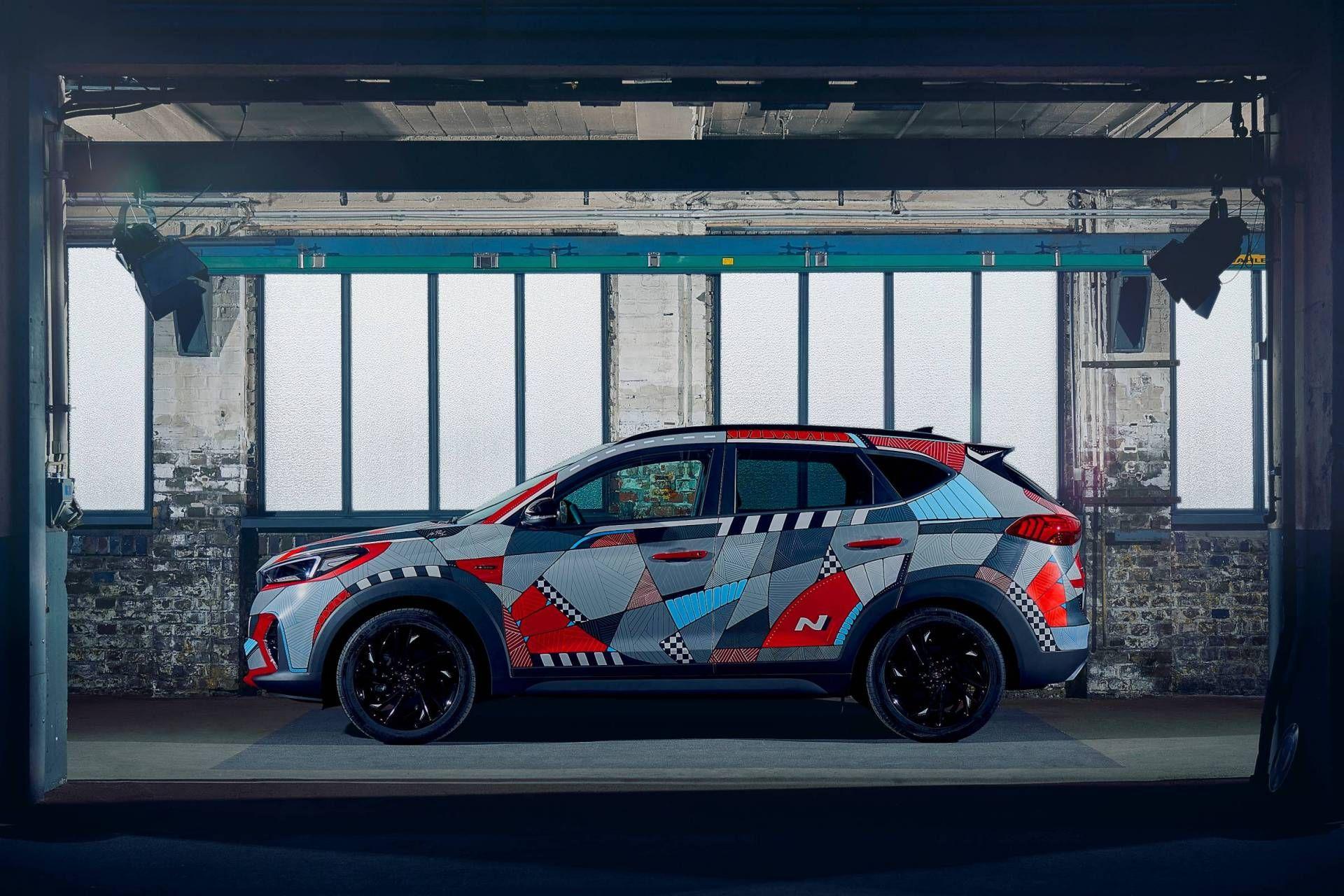 Hyundai Marks Tucson N Line Launch With Drive A Statement Art Car Carscoops In 2020 Car Art Hyundai Car