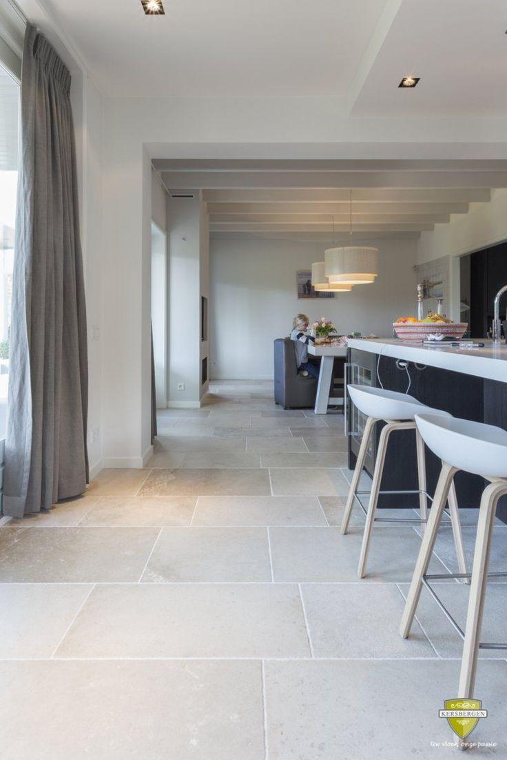 niveaux gris – french limestone flooring   küchenboden