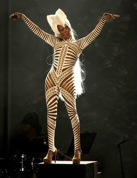 One Of My Fav Grace Jones Looks Amazing Body Grace Jones Funky Fashion Wild Style