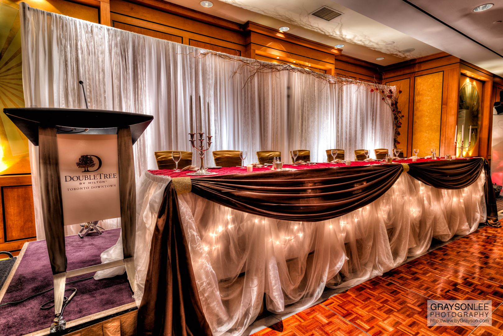 A lavish head table at the DoubleTree by Hilton Toronto Downtown.