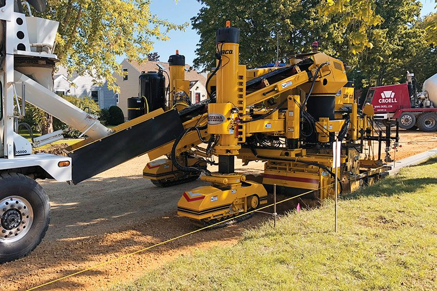 Gomaco Xtreme Curb And Gutter Machine At Work Heavy Equipment Construction Equipment Fuel Efficient