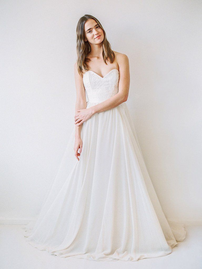 Your Dream Bridal // truvelle - A timeless wedding gown with a 3D ...