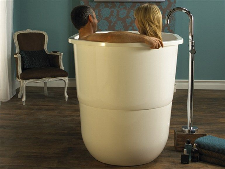 SEATED BATHTUB SORRENTO BY VICTORIA + ALBERT