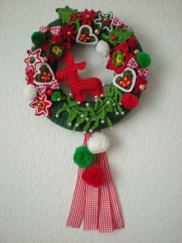 Weihnachtskranz zum häkeln | Häkelprojekte | Pinterest ...
