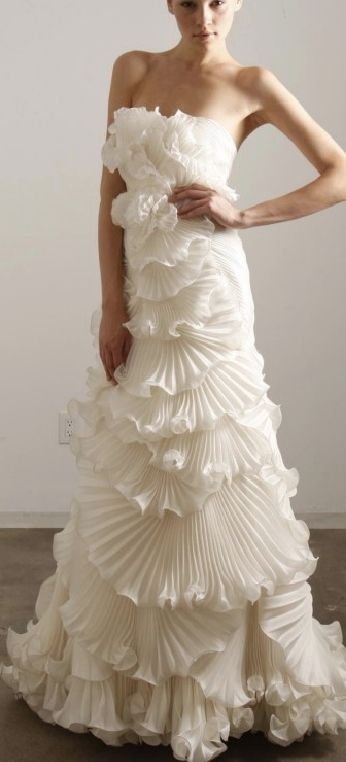5cdb870bea Love love love this elegant white ruffled Marchesa gown!! | Dresses ...