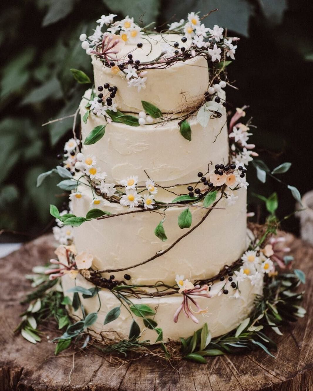 Ever After Hayley Dai S Wedding Cake Last August Natural Wooden