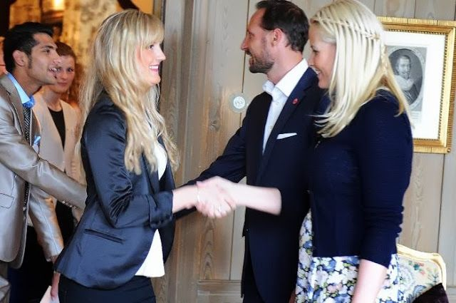 Crown Prince  Haakon and Crown Princess  Mette Marit hosted a banquet at Skaugum