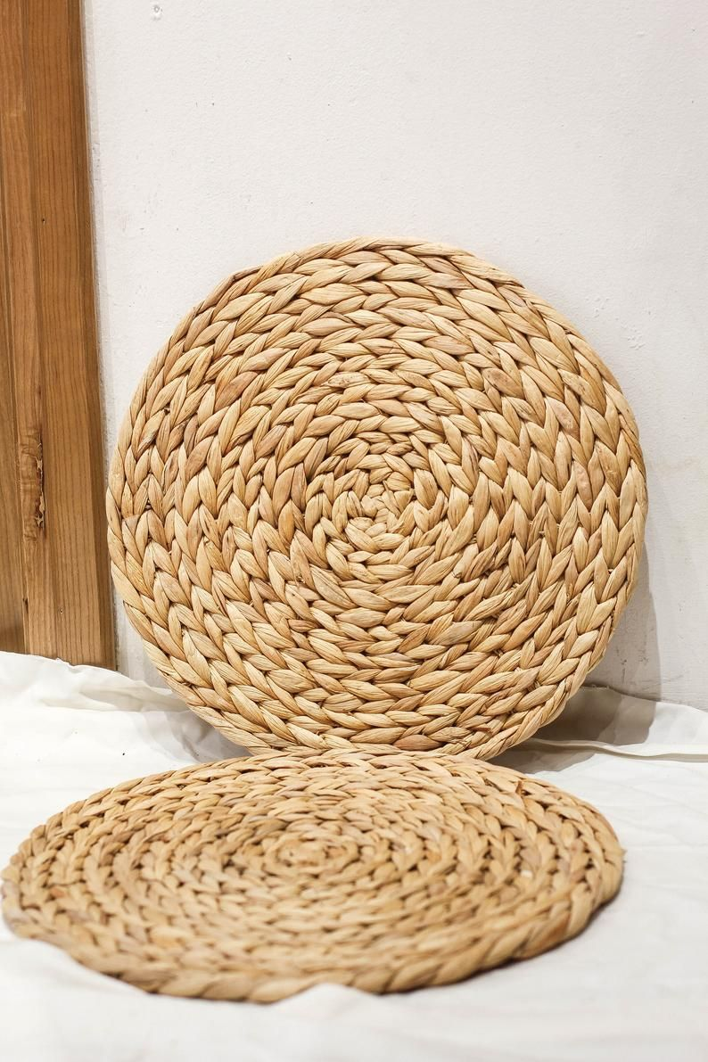 Set Of 2 Round Water Hyacinth Handmade Placemat Braided Mat Etsy Water Hyacinth Placemats Wicker Placemats