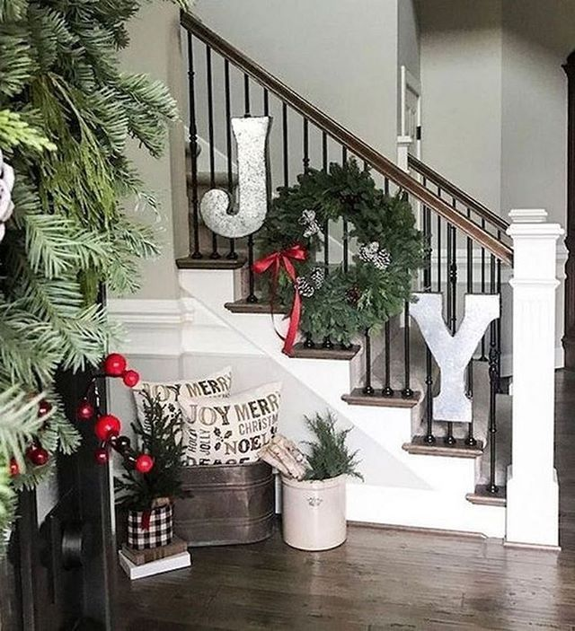 59 Christmas Home Decorating Ideas Holiday Home Decor Ideas Christmas Home Decor Christmas Staircase Decor Christmas Deco Christmas Decorations For The Home