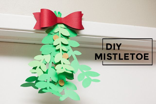 diy mistletoe with cricut
