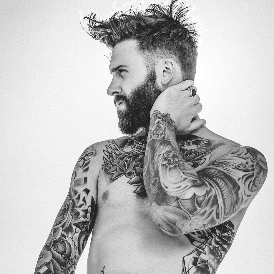 nasa guy with tattoos - 931×931