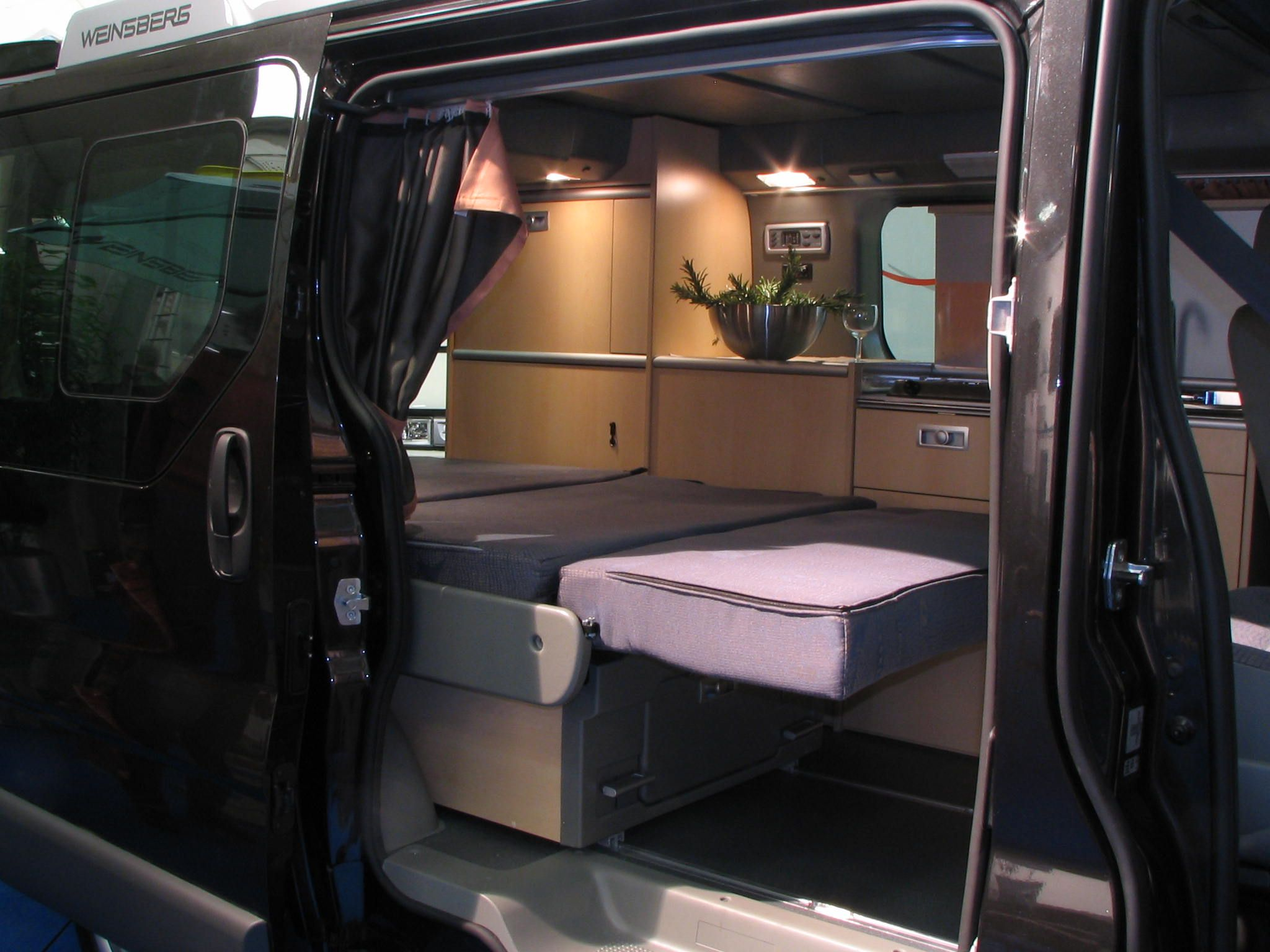 renault trafic camper conversion 2015 our dreams. Black Bedroom Furniture Sets. Home Design Ideas