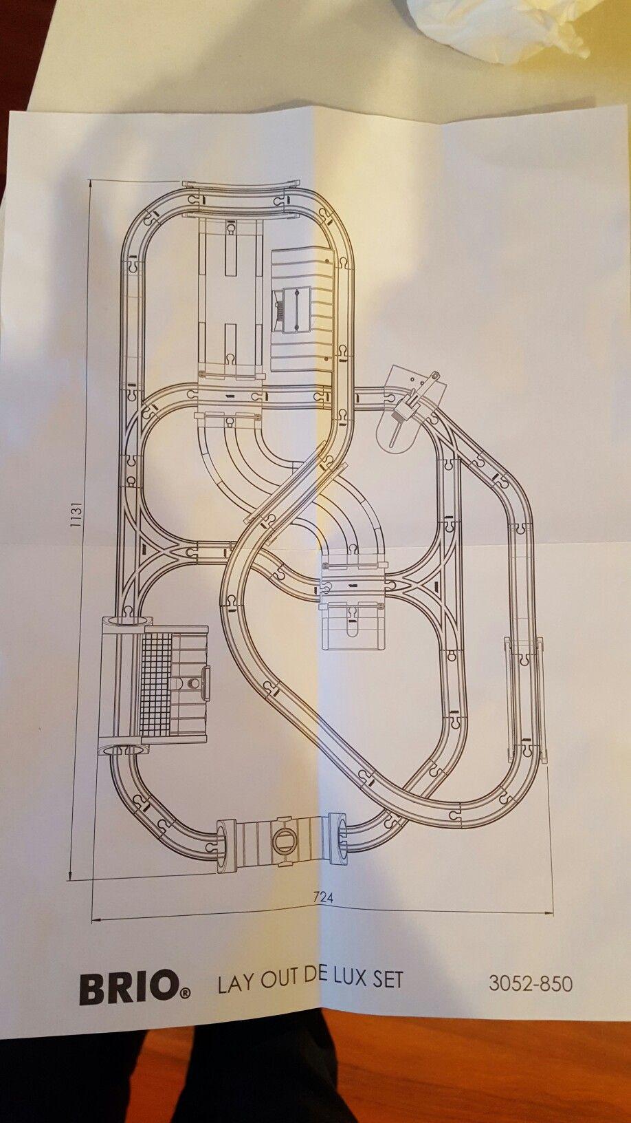 brio deluxe track setup guide brio train track wooden train train layouts train [ 918 x 1632 Pixel ]