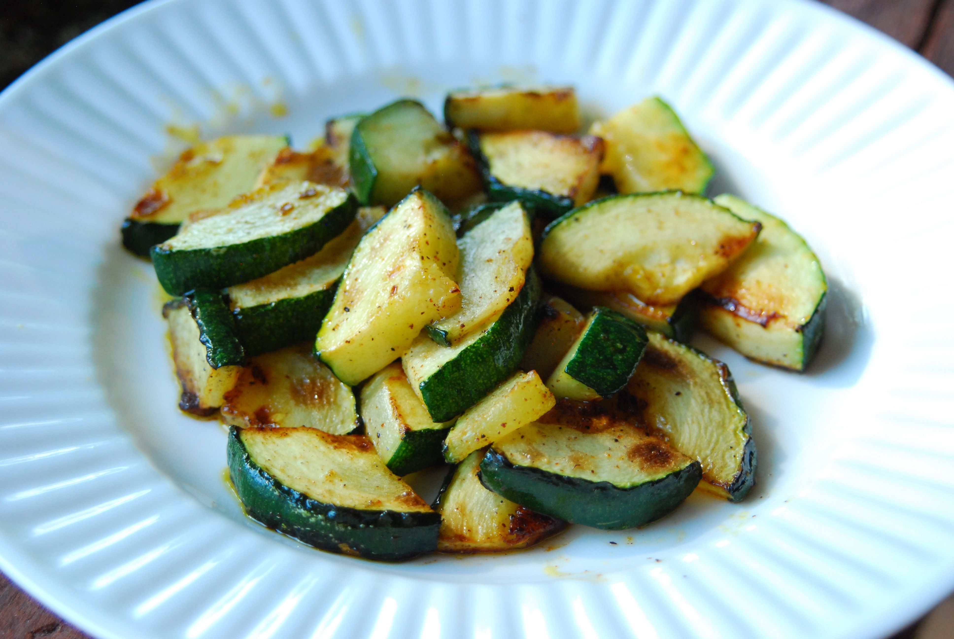 Easy Sauteed Zucchini With Parmesan And Onions Wellplated Com