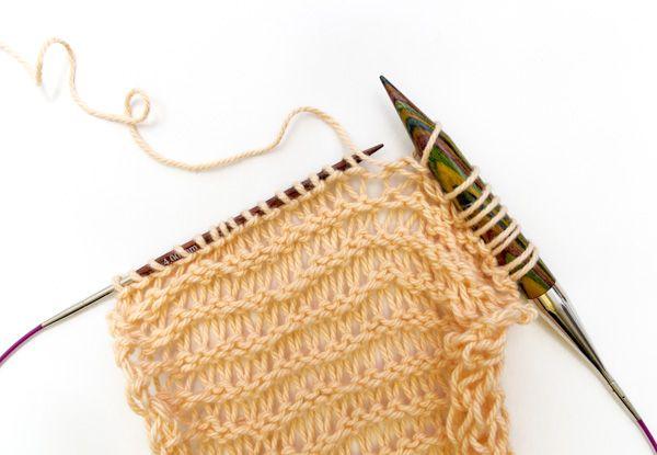 Abwechselnd mit dünner und dicker Stricknadel stricken | Stricken ...