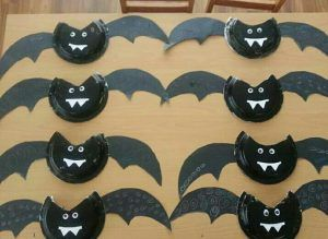 paper-plate-bat-craft & paper-plate-bat-craft | Craft time with Nana and Olivia | Pinterest ...