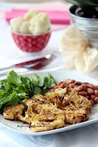Può un ingrediente semplice e a volte poco gradevole come il cavolfiore diventare un piatto invitante e gustoso? Assolutamente si. Con un po' di fantasia e pochi ingredienti riusciremo a preparare un