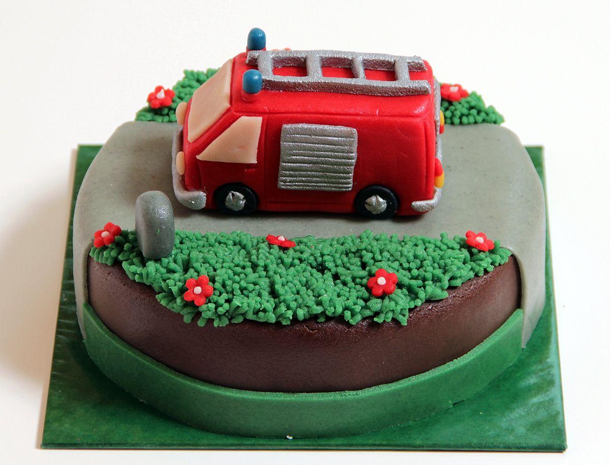 Kuchen Auto Feuerwehrauto Torte Fondant Cake Kuchen In 2018