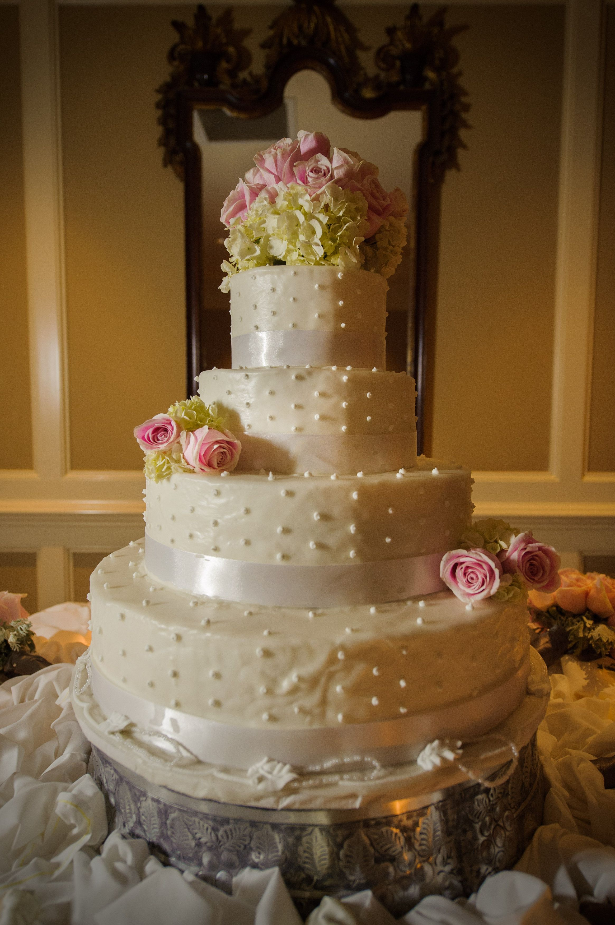Cake Made By Swiss Bakery In New Orleans How To Make Fairytale Weddings