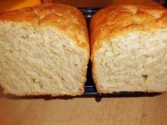 Weißbrot Rezept schnell und einfach backen   Das Weißbrot, was besser als jedes gekaufte Brot schmeckt. Hier stelle ich ein Weißbrot Rezept vor, wo eine schöne Krume (Schmolle) das Brot auszeichnet. Der Geschmack ist so fein, dass ich meine frisch eingekochte Marmelade genießen kann. Die Scheiben in den Toaster geben und kross backen oder ein Leckeres Toast Hawaii herstellen. Schön ist es  ...