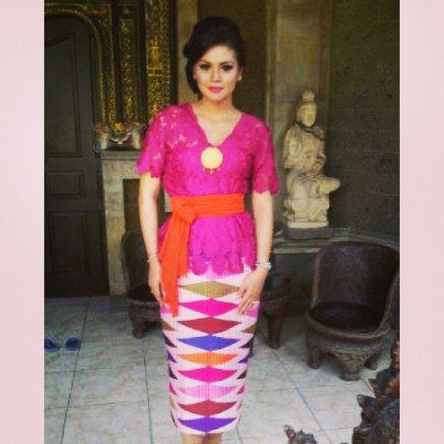 Indo Nesian Tradisi Onal Medicine Suruhan Obat: Kebaya Bali With Tenun Rangrang Bali