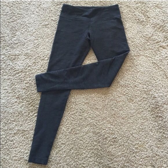 Lululemon heather gray leggings Bought these from another seller but they were incorrectly sized. No signs of wear or pilling, just too big because I wear a 4. lululemon athletica Pants Leggings