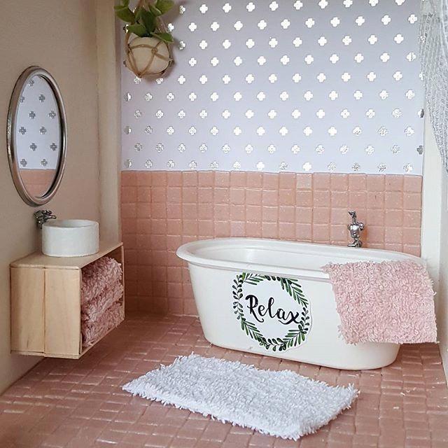 Best DIY Dollhouse Furniture - MyKingList.com #dollhousefurniture