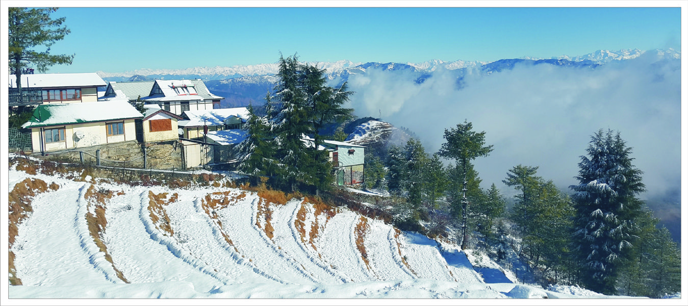 Snow King Retreat Shimla (Kufri ) offer online booking service with attractive rates and discounts.Snow King Retreat is perfect getaway for the discerning adventurer offering a magical and unforgettable experience in the mountains. #OnlineBookingHotelKufri #SnowKingRetreat