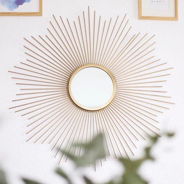 [HOME] Little Sun ☀️x @maisonsdumonde ! Ma dernière petite nouveauté déco que j'aime d'amour ! --------------------------------------------  #louizeandco #homesweethome #home #myhome #sun #miroir #miroirsoleil #crush #love #vintage #vintagestyle #versailles #gold #goldmirror #mirror #decoration #wall #beauty #beautiful #moment #momentoftheday
